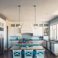 Meble na wymiar w kuchni – dlaczego warto w nie zainwestować?